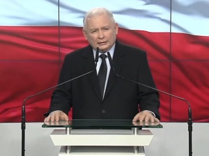 """Kaczyński: """"Polska nie będzie płacić"""". Dep. Stanu cytuje w raporcie podkreślającym antysemityzm Polaków"""