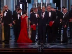 [video] Historyczna wpadka na tegorocznej gali Oscarów. Pomylono zwycięzców w kategorii Najlepszy Film