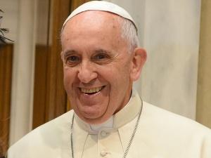 Wypadek kolumny eskortującej papieża Franciszka. Ranny policjant