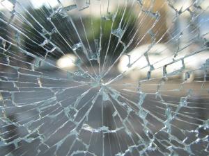 Zachodniopomorskie: Zderzenie dwóch autokarów i busa; 14 osób rannych