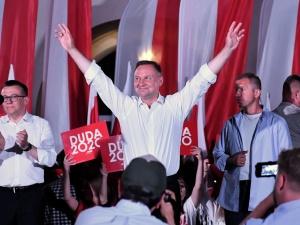 """Prezydent na finiszu kampanii: To dla mnie wielki przywilej, że ludzie """"Solidarności"""" stoją koło mnie"""