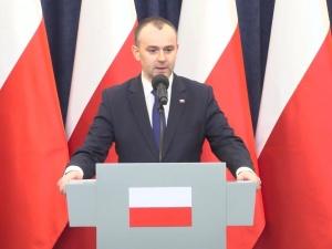 Min. Mucha: Zaproszenie prezydenta dla Rafała Trzaskowskiego jest aktualne
