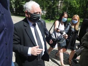 """Kaczyński: """"Wygraliśmy mimo walki na zasadzie jeden przeciwko wszystkim"""""""