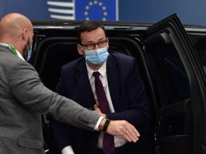 Negocjacje w Brukseli. Premier Morawiecki spotkał się z V4. Wieczorem spotka się z Merkel i Macronem
