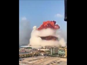 """[WIDEO] Ogromna eksplozja w Bejrucie. """"Jak bomba atomowa"""""""