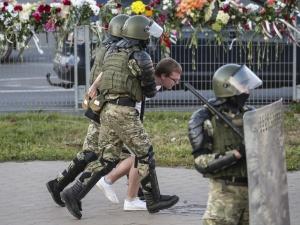 Wiceszef MSZ: Ambasador Polski interweniował w sprawie trzech Polaków zatrzymanych na Białorusi