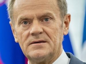 Projekt podwyżek dla posłów w Sejmie. Tusk zabrałgłos