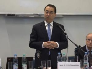 """Amb. Chin: """"Grupka amerykańskich polityków bezskutecznie próbuje nastawić społeczność przeciw Chinom"""""""