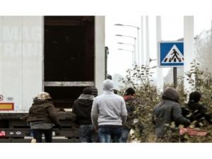 Paryż: likwidacja koczowiska dla imigrantów