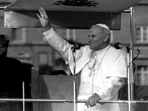"""Franco Pisano o Janie Pawle II dla """"TS"""": Potrafił żartować, dowcipnie odpowiadać, ale też i wzruszać"""