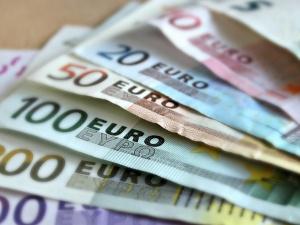 Sondaż: Ponad połowa Polaków nie chce euro