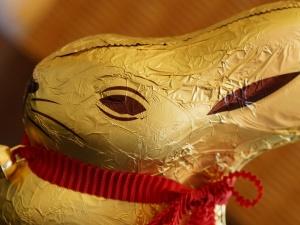 Żywność, czekoladowe zajączki, podróże - okres przedświąteczny to żniwa dla handlowców.