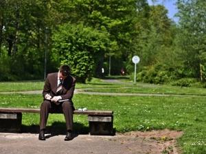 Nowa praca w 2 tygodnie. Ekspert: polski rynek pracy wymaga reformy