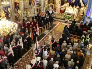 [Fotorelacja] 1 maja robotnicy pielgrzymują do św. Józefa patrona robotników. Tak było w zeszłym roku