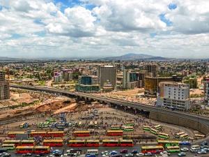 Najkrótsza droga do dobrobytu Polek i Polaków wiedzie przez Afrykę? Warto to sprawdzić