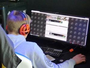 Cyberbezpieczne gry na Dzień Dziecka