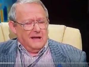 """[video] Kichający Michnik w sandałach hitem internetu. """"O mało demona nie wypluł"""""""