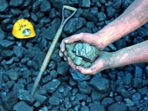 Apel do premier Szydło o interwencje w sprawie bezpłatnego węgla dla emerytów