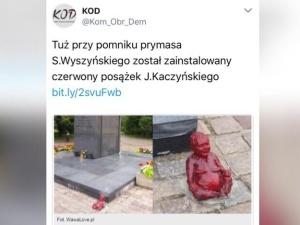 Prowokacja przy pomniku ks. kard. Stefana Wyszyńskiego, zamontowano posążek Jarosława Kaczyńskiego