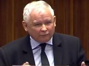 [video]: J. Kaczyński: zbrodnią Mariusza Błaszczaka jest to, że broni Polski przed otwarciem granic