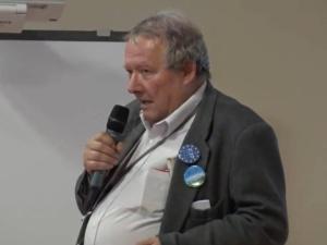 Prof. Marek Jan Chodakiewicz felietonista TS, pozwał do sądu Adama Michnika