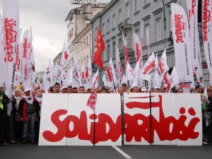 Pozorne rozszerzenie prawa do zrzeszania się w związki zawodowe?