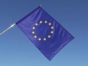 [sondaż] Czy Polacy czują się obywatelami Unii Europejskiej?