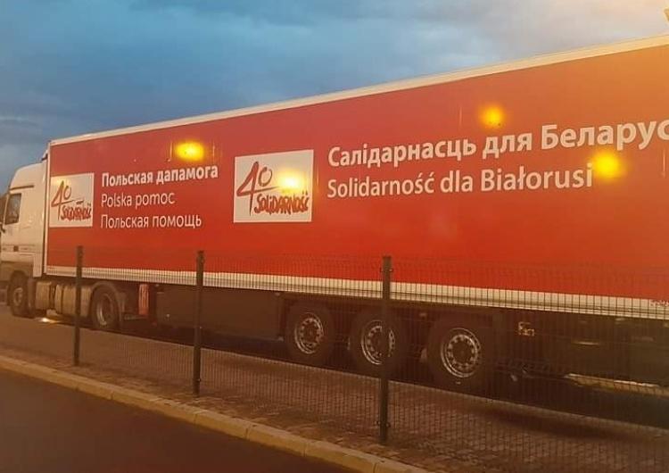 """TIR z darami dla Białorusinów od """"Solidarności"""" przekroczył granicę Polski"""
