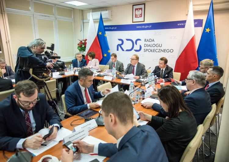 Opinia dotycząca powoływania i odwoływania członków Rady Dialogu Społecznego w okresie obowiązywania stanu zagrożenia epidemicznego albo stanu epidemii