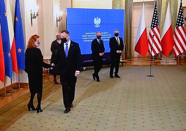 Georgette Mosbacher i Andrzej Duda Mosbacher: USA poniosą koszty szkolenia, wyposażenia i rozmieszczenia sił amerykańskich w Polsce