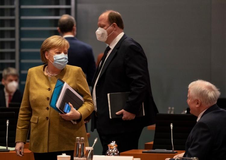 Angela Merkel, Horst Seehofer [Tylko u nas] Dr Rafał Brzeski: Obalić rząd Morawieckiego. Koszty nie grają roli