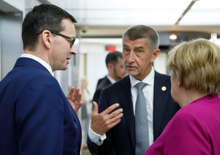 Nieoficjalnie: Za zamkniętymi drzwiami Polskę i Węgry poparło 6 państw. Wiemy, które