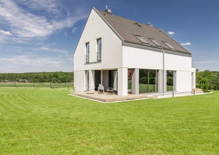 Dom w planie kwadratu - mały i energooszczędny: TOP 3 projekty jednorodzinnych ergonomicznych domów