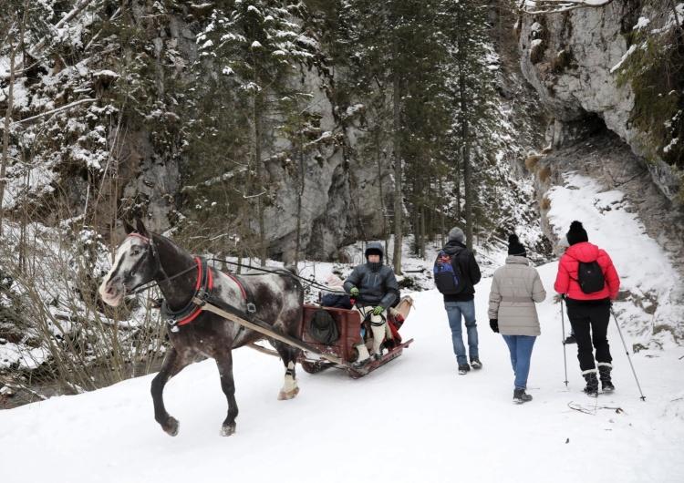 Tatry: Pierwszy feryjny weekend. Wielu turystów na górskich szlakach Górale mówią