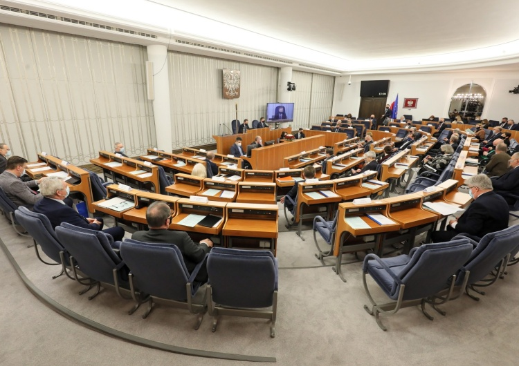 Senat: Ponad 100 poprawek do budżetu na 2021 r. Ustawa budżetowa wraca do Sejmu