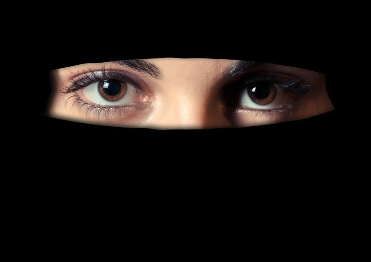 zdjęcie ilustracyjne Muzułmańskie organizacje odmówiły podpisania karty lojalności wobec państwa francuskiego