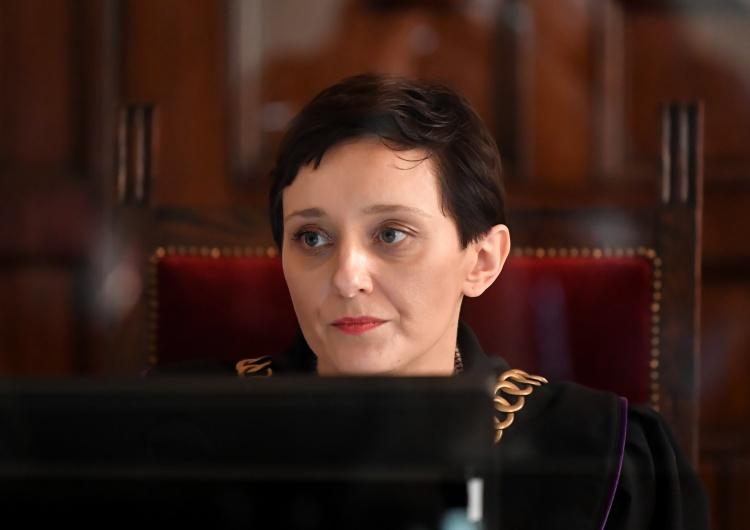 sędzia Julia Kuciel Sędzia orzekająca w procesie Magdaleny A. protestowała w 2017 roku ze zmarłym mężem oskarżonej?