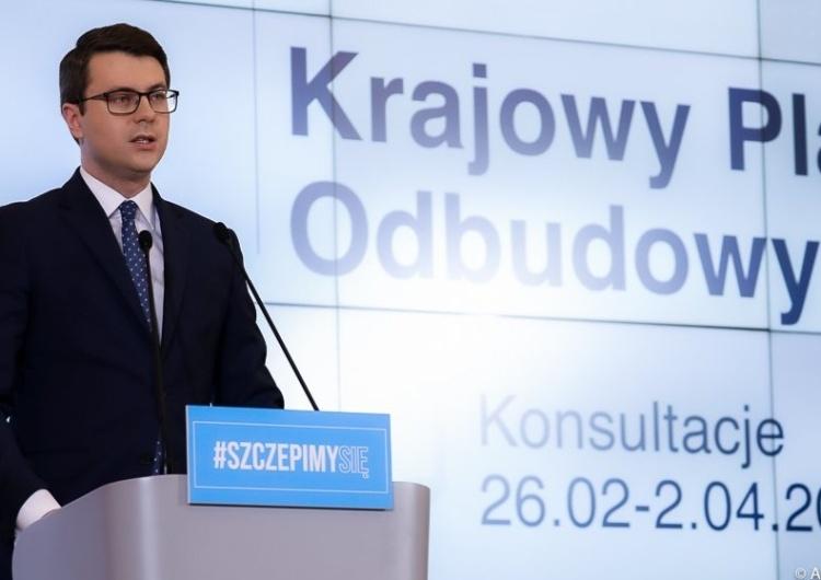 Co ze szczepionkami dla cywilnych pracowników służb mundurowych? Na pytanie Tysol.pl odpowiada rzecznik rządu
