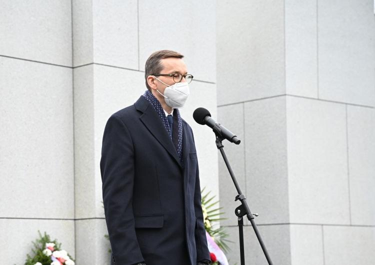 Mateusz Morawiecki [nasza fotorelacja] Narodowy Dzień Pamięci Żołnierzy Wyklętych. Uroczystości na Wojskowych Powązkach