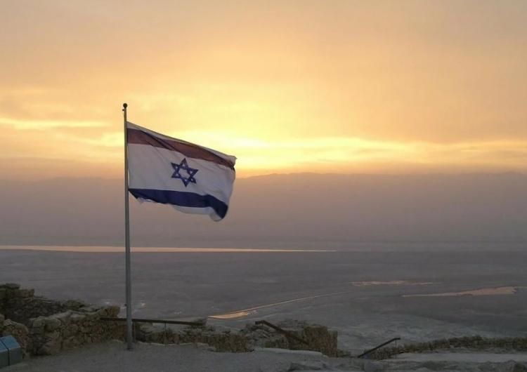 W Izraelu koniec obostrzeń coraz bliżej. Otwarto restauracje, zezwolono na imprezy grupowe