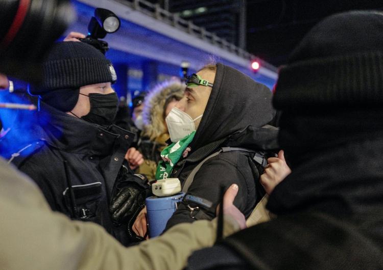 Policja o zachowaniach na Strajku Kobiet: To działania świadome. Celem jest wykazanie rzekomej represji policji. Prawda jest jednak taka...