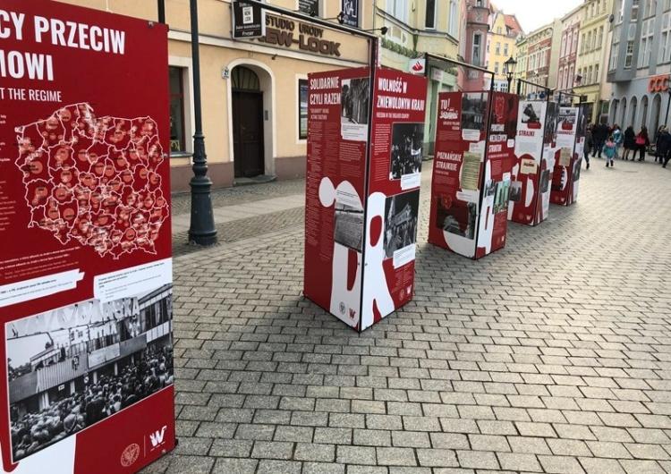 """Wystawa """"Tu rodziła się Solidarność"""" w Zielonej Górze"""