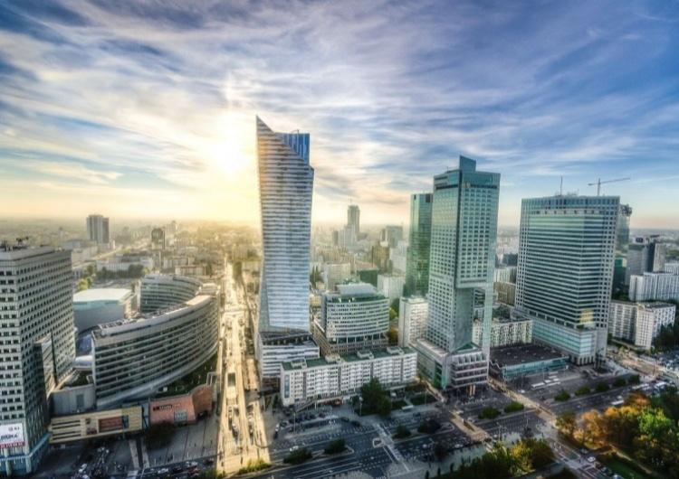 Agencja S&P obniża prognozę wzrostu PKB Polski w '21 do 3,4 proc., w '22 podwyższa do 4,4 proc.