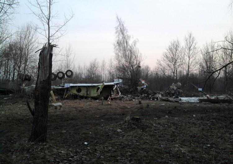 miejsce katastrofy smoleńskiej  10 kwietnia 2010 była sobota, pamiętam, bo siadaliśmy właśnie z rodziną do śniadania, kiedy...