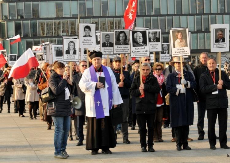 Uczcijmy godnie i w jedności XI Rocznicę Katastrofy Smoleńskiej. Solidarni 2010 zapraszają na Marsz z Portretami Ofiar