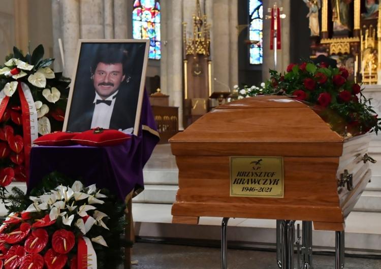 Ostatnie pożegnanie. Rozpoczęły się uroczystości pogrzebowe Krzysztofa Krawczyka