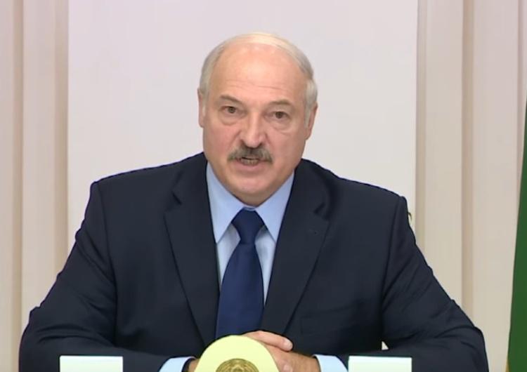 """Aleksandr Łukaszenka Łukaszenka boi się przewrotu? """"80 białoruskich wojskowych pozbawionych stopni"""""""