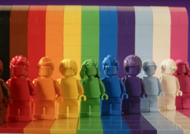Lego lance une collection non genrée aux couleurs du drapeau LGBT