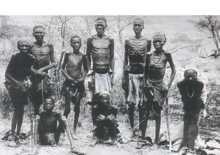 """Ocalali Herero. Niemieckie ludobójstwo w Namibii [Tylko u nas] Grzegorz Kuczyński: """"Obraźliwa kwota"""". Jak Niemcy chciały tanio odkupić grzech ludobójstwa w Namibii"""