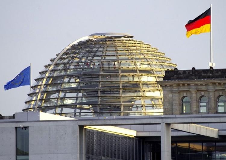 Bundestag, Niemcy Niemcy żądają zniesienia prawa weta w Unii Europejskiej.